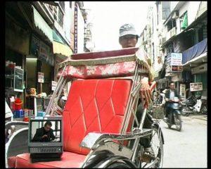 Welten treffen aufeinander Rikscha Hanoi