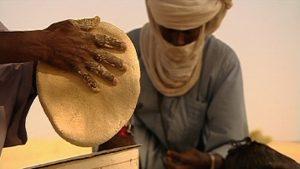 Wüstendok-Brot Hand N